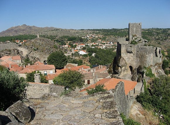 Village historique de Sortelha (Sambucus) (***)