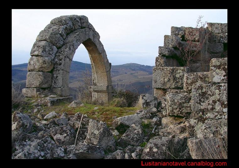 Vide In Hal : Landscape in old bogalhal pinhel place of forgetfulness or