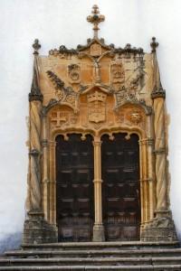 porta manuelina igreja de são miguel 200x300 Capela de São Miguel da Universidade de Coimbra (***)