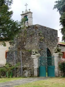 igreja castro de avelas 1 225x300 Cabeceira românica da igreja de Castro de Avelãs (Bragança) (*)   Singular românico de ladrilho em Portugal