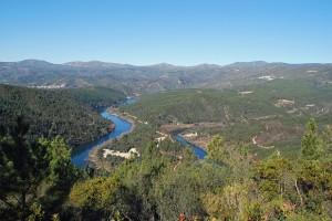 Miradouro da Sarnadela Fundão 300x200 Miradouro da Sarnadela (Fundão) (*)  O rio Zêzere a meandrar