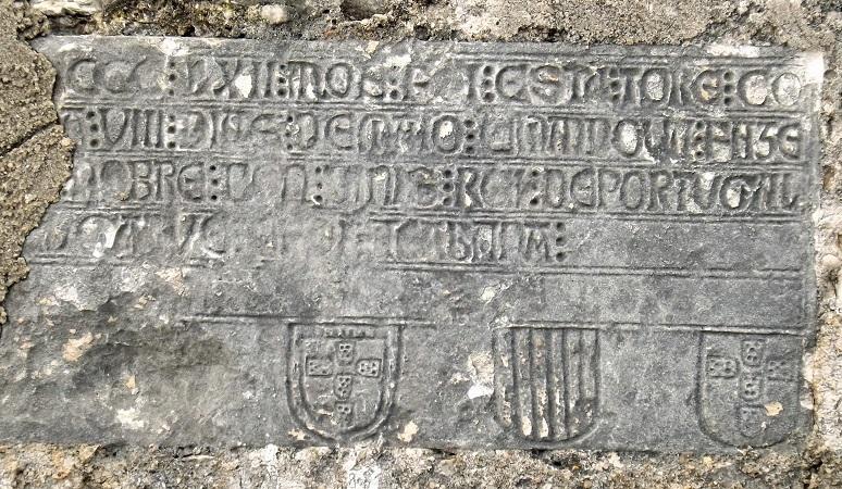 laje-epigrafica-leiria