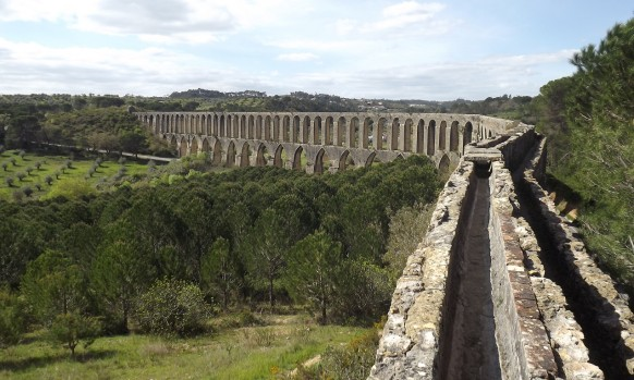 Pegões aqueduct (Take) (***)-one of the most remarkable of Portugal