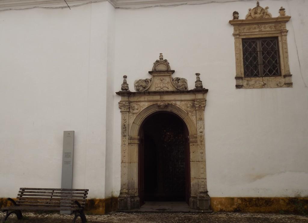 facade convent of Santa Iria