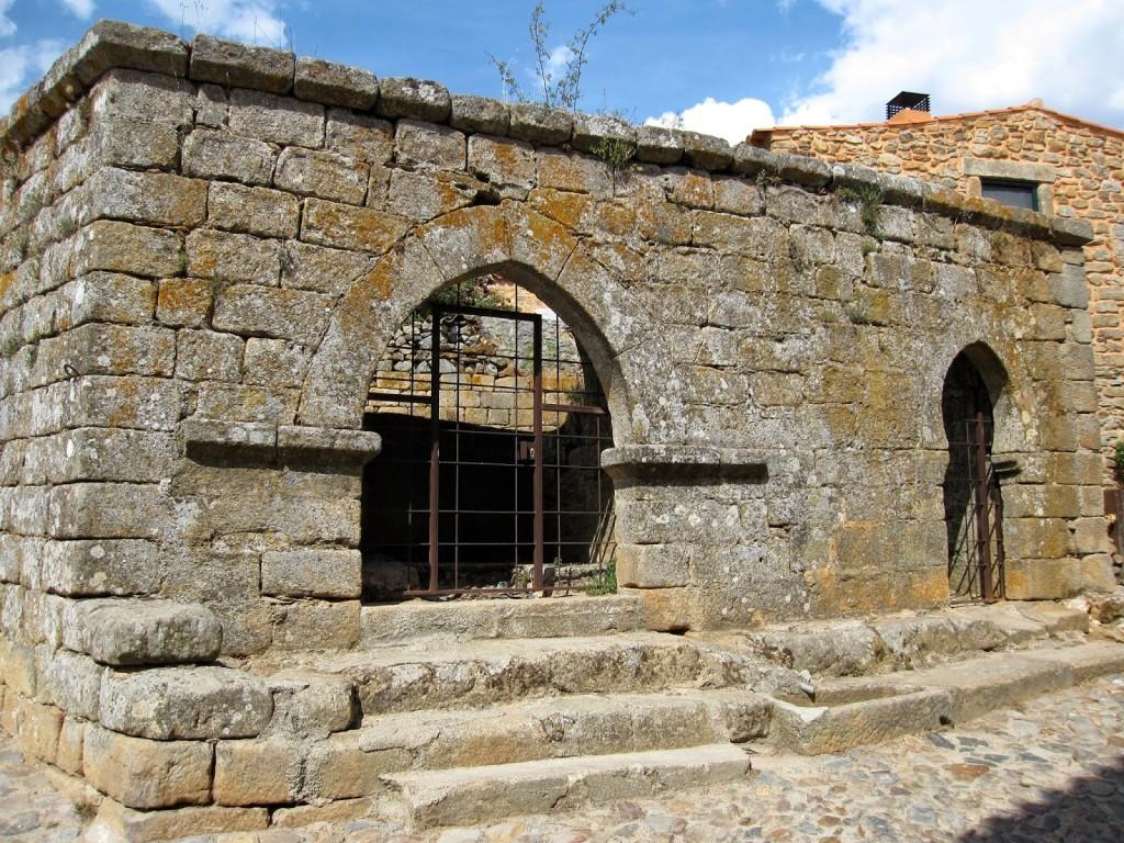 Castelo_Rodrigo and cistern