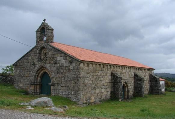 Church of Algosinho (Mogadouro) (**)- Who built the temple so beautiful?